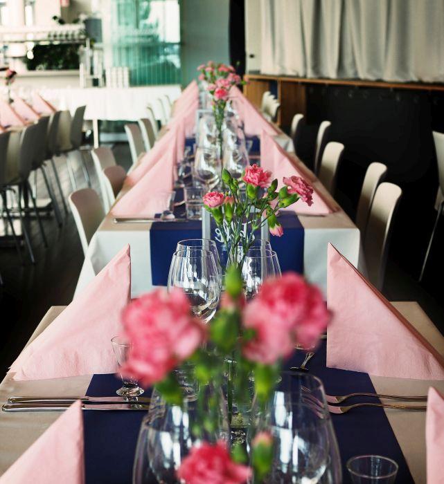 Häät Espoossa - sinistä ja vaaleanpunaista
